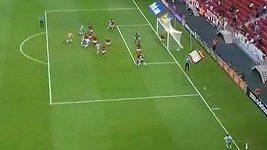 Brazilský brankář Lauro srovnal stav zápasu v nastaveném čase.