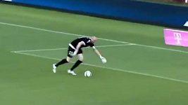 Neuvěřitelný vlastní gól v polské lize.