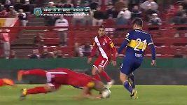 Iñíguez při obranném zákroku přišel o zuby