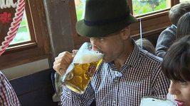 Fotbalisté Bayernu Mnichov na Oktoberfestu