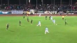 Neskutečný vlastní gól v podání Stefana Seuferta.