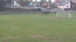 Fotbalista zahodil nevídanou tutovku.
