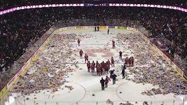 25 tisíc medvědů na ledě v Calgary
