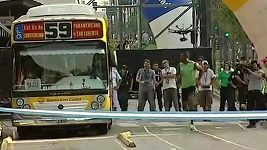 Bolt proti autobusu