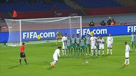 Ronaldinhova paráda v utkání proti týmu Raja Casablanca.