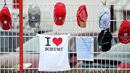 Za Schumacherem přijela do nemocnice jeho manželka, bratr a otec.