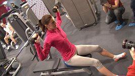 Zraněná překážkářka Zuzana Hejnová už zase sportuje.