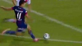 Ángel Correa a jeho báječná akce
