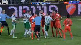 Brutální faul v izraelské lize