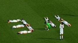 Japonští fotbalisté připomněli oběti zemětřesení a tsunami