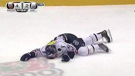 Zraněný hokejista