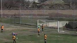 Vlastní gól v Arménii
