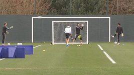 Petr Čech na tréninku Chelsea