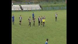 Rozhodčí ukončila první poločas a gól hostů neuznala.