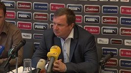 Pavel Vrba na tiskové konferenci