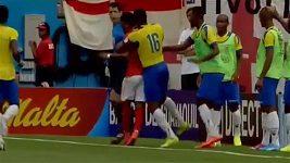 Angličan Sterling a Ekvádorec Valencia se poškorpili