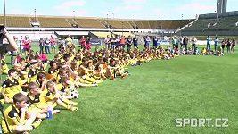 BEZ KOMENTÁŘE: Letní fotbalová škola Petra Čecha
