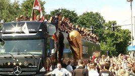 Němci slaví v ulicích Berlína svůj čtvrtý titul mistrů světa