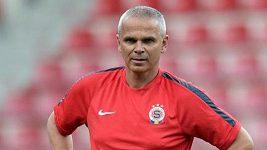 Trenér Sparty Vítězslav Lavička hovoří před úvodním utkáním 2. předkola Ligy mistrů.