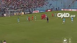 Skvělé góly Peruánce Carlose Lobatóna