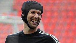 Petr Čech inkasoval sporný gól v přípravném utkání proti Wolfsbergeru.