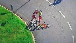Bitka cyklistů na závodu Kolem Portugalska