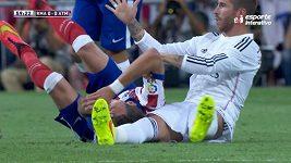 Konflikt Sergia Ramose s útočníkem Atlétika Madrid Mandžukičem.