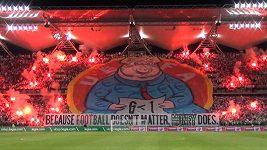 Fanoušci Legie Varšava poslali UEFA jasný vzkaz.