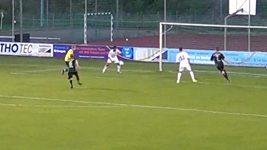 Vlastní gól v podání Zamira Daudiho.