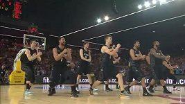 Haka v podání basketbalistů Nového Zélandu