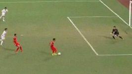 Fotbalista Myanmaru zazdil takřka nemožné.