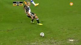 Kaluž zastavila gólovou akci