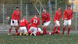 FC Santa Claus se raduje z postupového gólu.