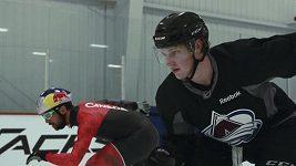 Hokejista s rychlobruslařem poměřili síly v rychlosti