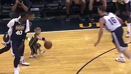 Nemocný chlapec si zahrál s Utah Jazz