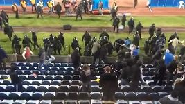 Bitka mezi fanoušky Slovanu a Sparty