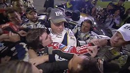 Rvačka při závodech série NASCAR