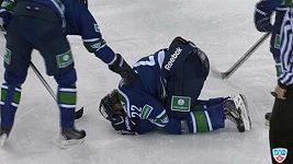 Zraněný Kašpar hodil hokejku po rozhodčím