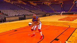 Rekordní hod pozpátku basketbalisty Thundera Lawa
