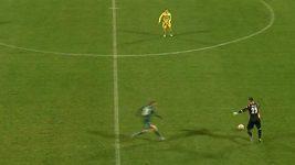Slovinský brankář si hrál na Neuera