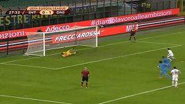 Samir Handanovič chytá šestou penaltu v řadě