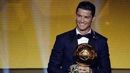 Cristiano Ronaldo a Manuel Neuer po vyhlášení Zlatého míče