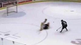Skvělá trefa talentovaného hokejisty Maxe Domiho