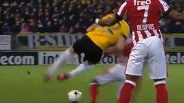 Červená karta pro Jetra Willemse