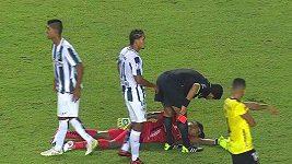 Fotbalista předstíral, že omdlel