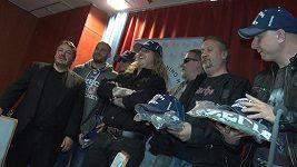 Skupina Kabát nazpívala českým hokejistům písničku na šampionát