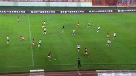 Čang Lin-pcheng dal gól přes půl hřiště