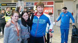 Ruští hokejisté po příletu do Česka