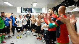 Plzeňští fotbalisté v kabině slavili vítězství nad Spartou