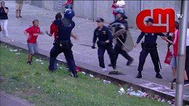 Portugalští policisté zmlátili fanouška Benficy před zraky jeho dětí